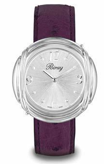 1acc15f09d Pour déjeuner avec sa meilleure copine, elle brille de plaisir dans un  ravis-sant bracelet en autruche violet. Cet après-midi en l'honneur de son  nouveau ...